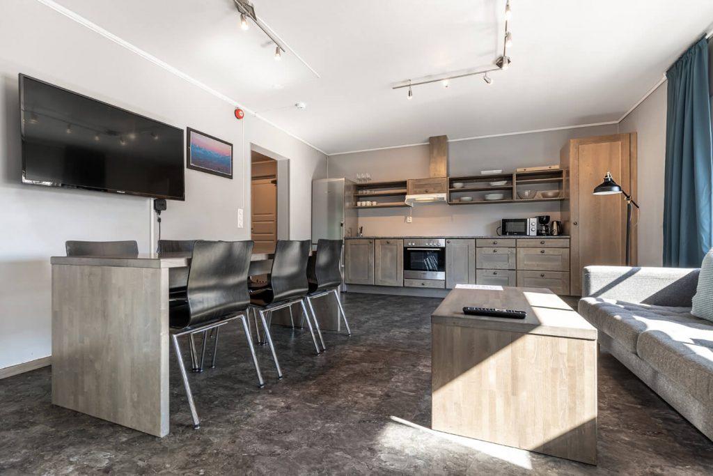 Hemsedal Cafe Skiers lodge stue og fullt utstyrt kjøkken